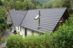 Dachbeschichtung ausgeführt im Fabton anthrazit, das Dach ist wie neu!